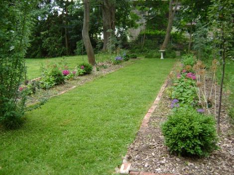 gardenAug09 076